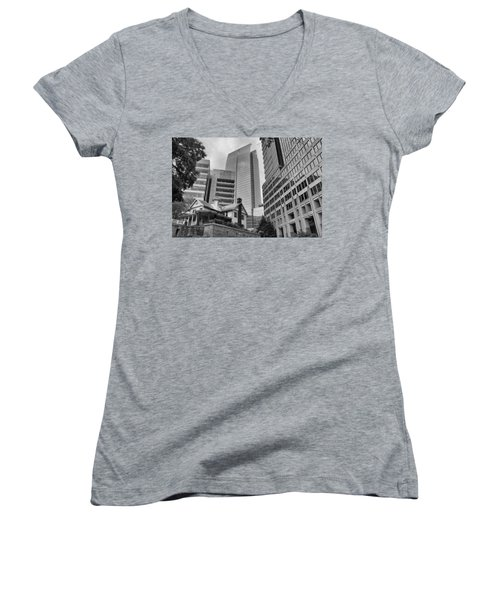 Contrasting Southern Architecture Women's V-Neck T-Shirt (Junior Cut)