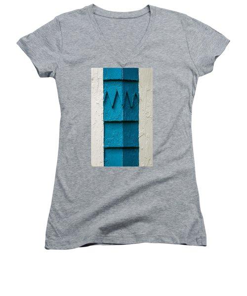 Corner Detail Women's V-Neck T-Shirt (Junior Cut)