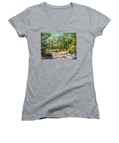 Country Road Women's V-Neck (Athletic Fit)