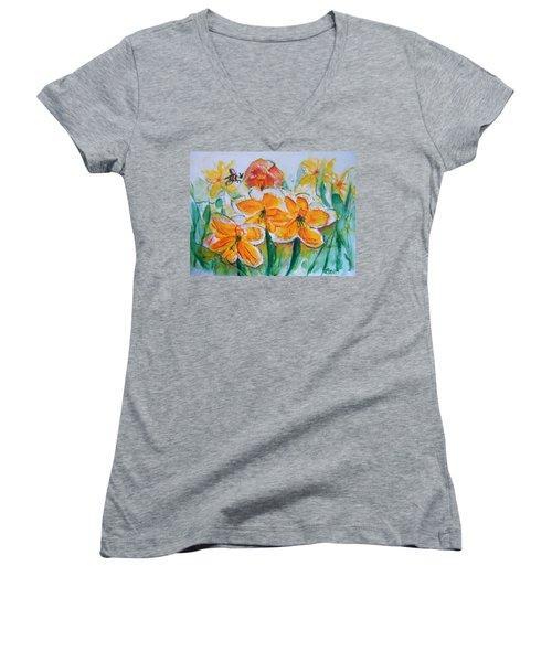 Daffies Women's V-Neck T-Shirt