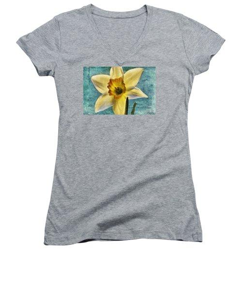 Daffodil Women's V-Neck T-Shirt