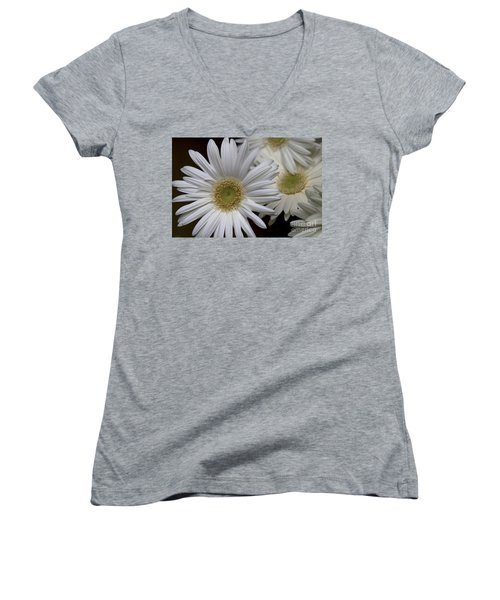 Daisy Photo Women's V-Neck
