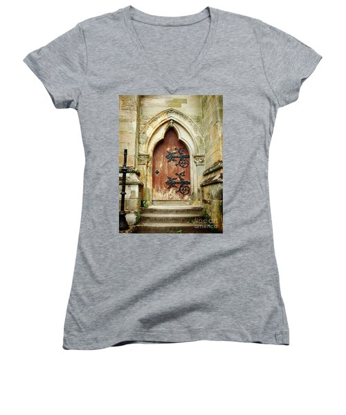Distressed Door Women's V-Neck T-Shirt