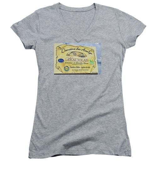 Domaine Des Averlys Women's V-Neck T-Shirt