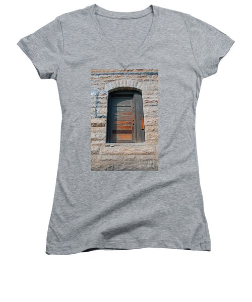 Door Series 2 Women's V-Neck T-Shirt
