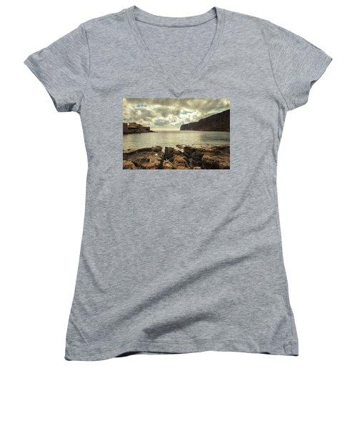 Dreamy Bay  Women's V-Neck T-Shirt