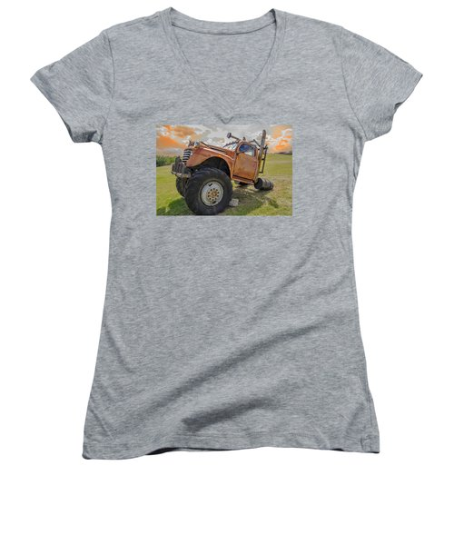 Dun Run His Butt Off Women's V-Neck T-Shirt