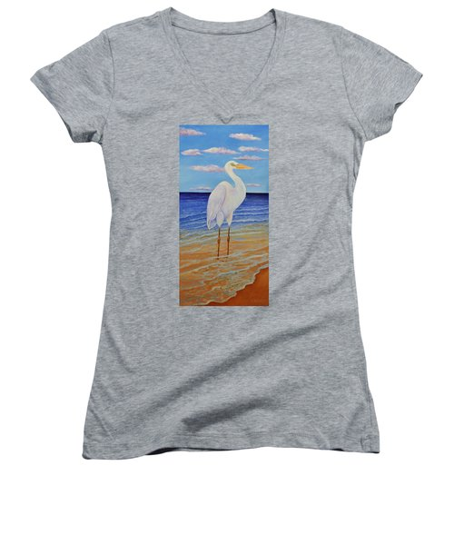 Eager Egret  Women's V-Neck T-Shirt