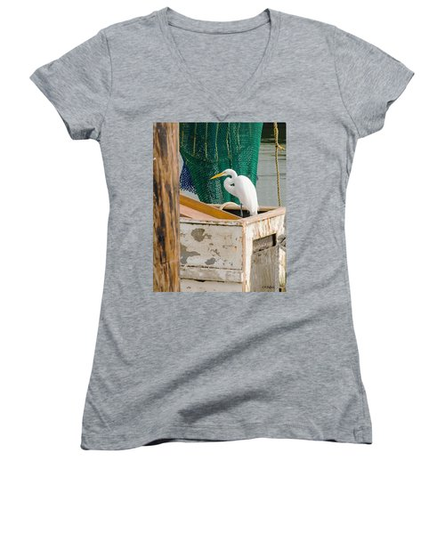 Egret With Fishing Net Women's V-Neck T-Shirt