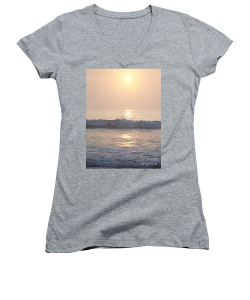 Hampton Beach Wave Ends With A Splash Women's V-Neck T-Shirt