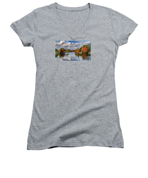 Fall In Florida Women's V-Neck T-Shirt