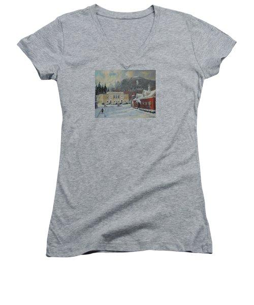 Flurries Over Mount Greylock Women's V-Neck T-Shirt