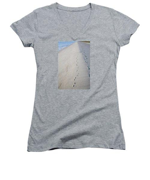 Footprints And Pawprints Women's V-Neck T-Shirt