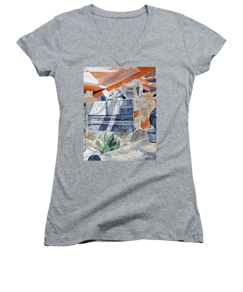 Frank Lloyd Wright Taliesin West 2 Women's V-Neck T-Shirt (Junior Cut)