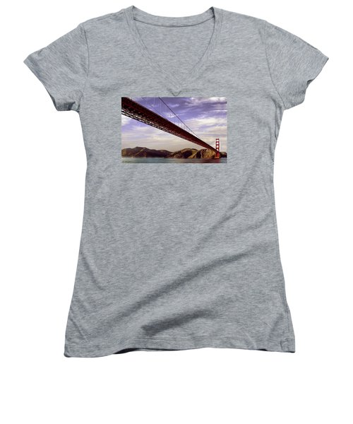 Goldengate Bridge San Francisco Women's V-Neck