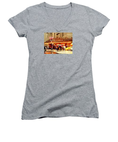 Grand Central Station In The Rain - New York Women's V-Neck T-Shirt
