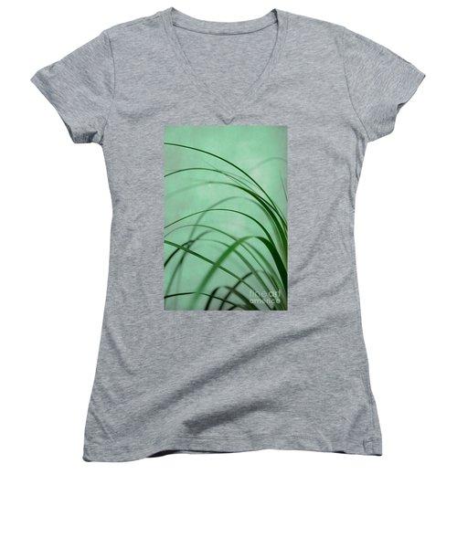 Grass Impression Women's V-Neck