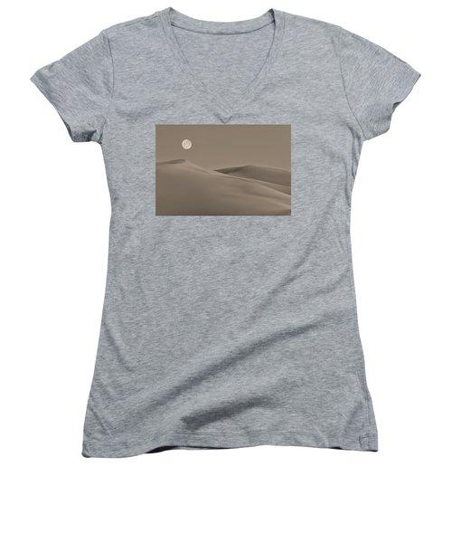 Great Sand Dunes Women's V-Neck T-Shirt