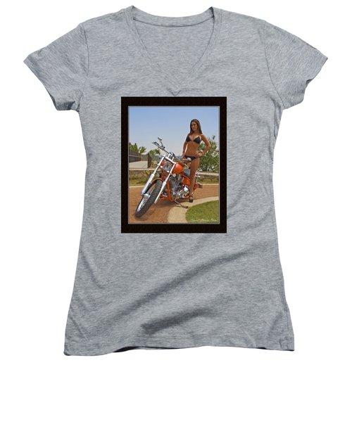 H-d_c Women's V-Neck T-Shirt