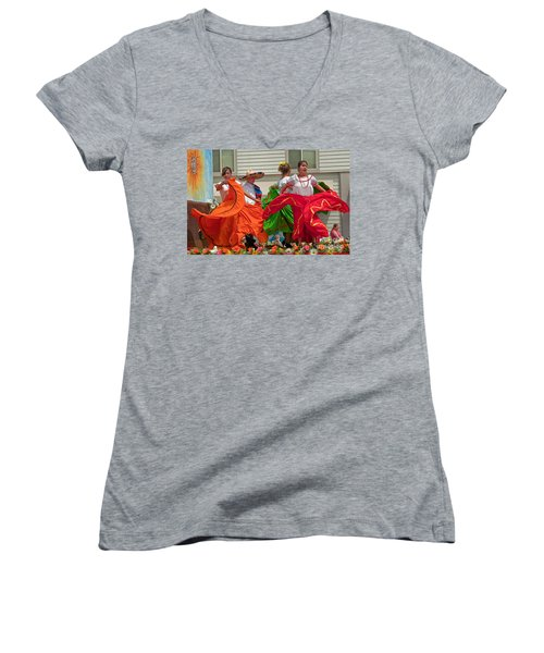 Hispanic Women Dancing In Colorful Skirts Art Prints Women's V-Neck T-Shirt