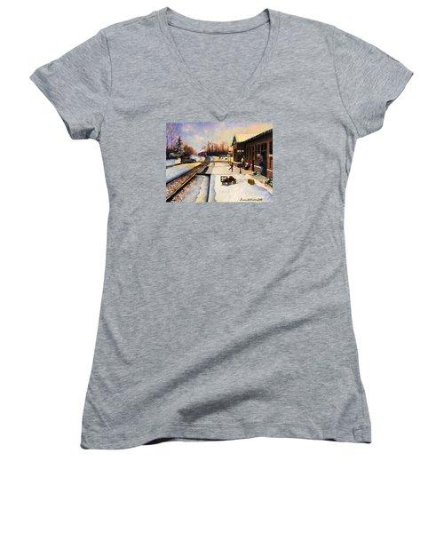 Holiday Depot 1932 Women's V-Neck T-Shirt