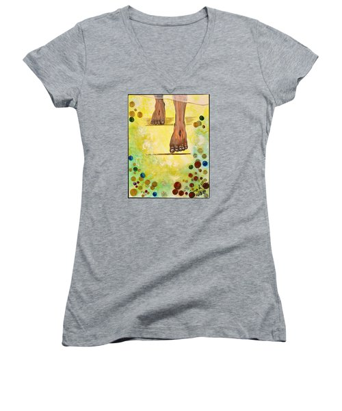I Knock Women's V-Neck T-Shirt