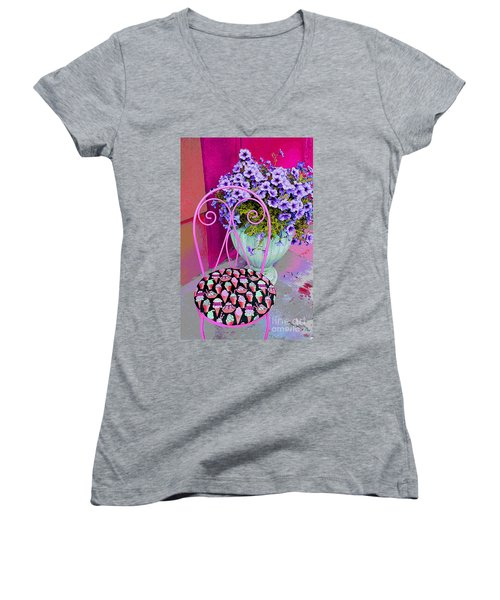 Ice Cream Cafe Chair Women's V-Neck T-Shirt