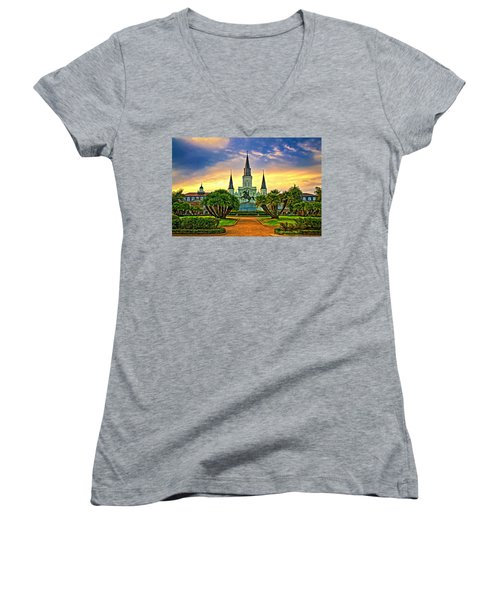 Jackson Square Evening - Paint Women's V-Neck T-Shirt (Junior Cut) by Steve Harrington