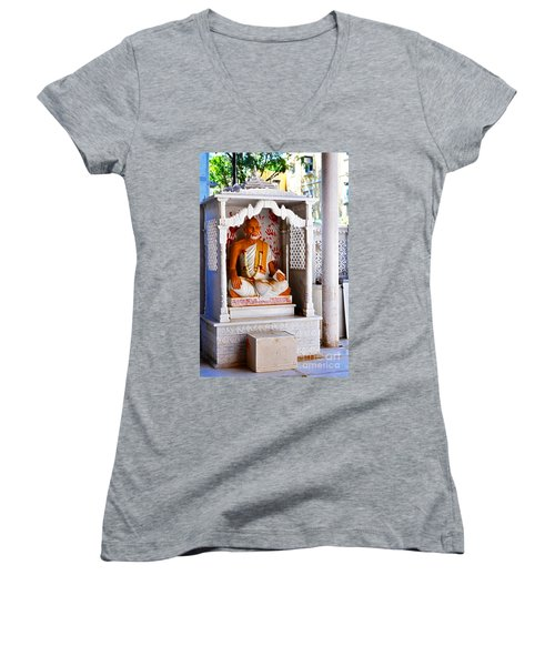 Jain Idol Women's V-Neck T-Shirt