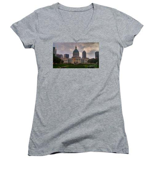 Jefferson Memorial Bldg Women's V-Neck T-Shirt (Junior Cut) by Chris Tarpening