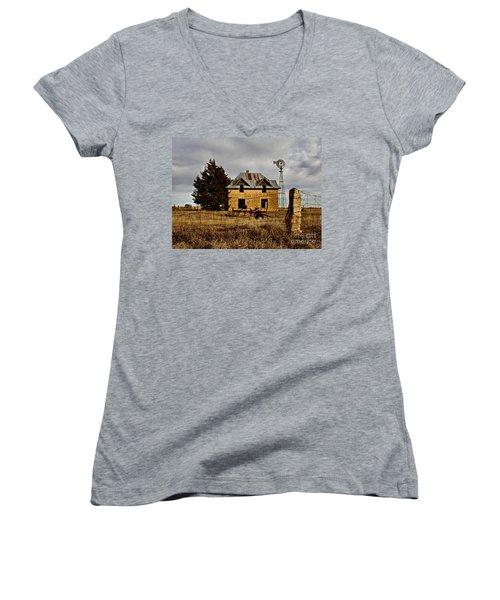 Women's V-Neck T-Shirt (Junior Cut) featuring the photograph Kansas Castle 1 by Lynne Wright