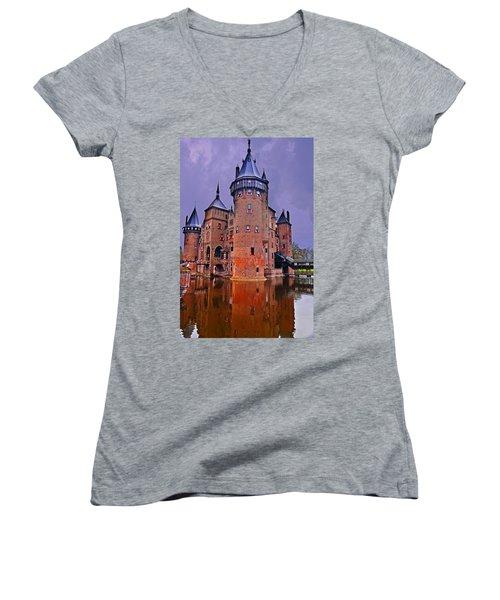 Kasteel De Haar Women's V-Neck T-Shirt