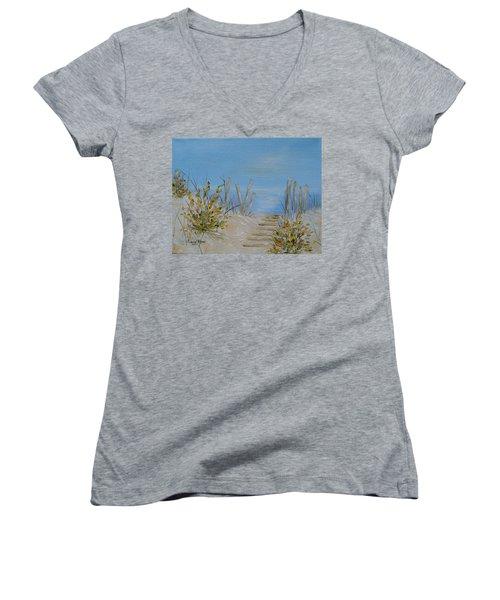 Lbi Peace Women's V-Neck T-Shirt