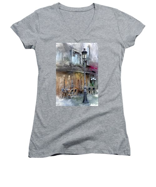 Le Petit Paris Women's V-Neck T-Shirt