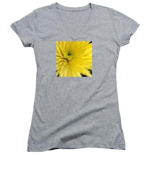 Lemon Mum Women's V-Neck T-Shirt (Junior Cut) by The Art of Alice Terrill