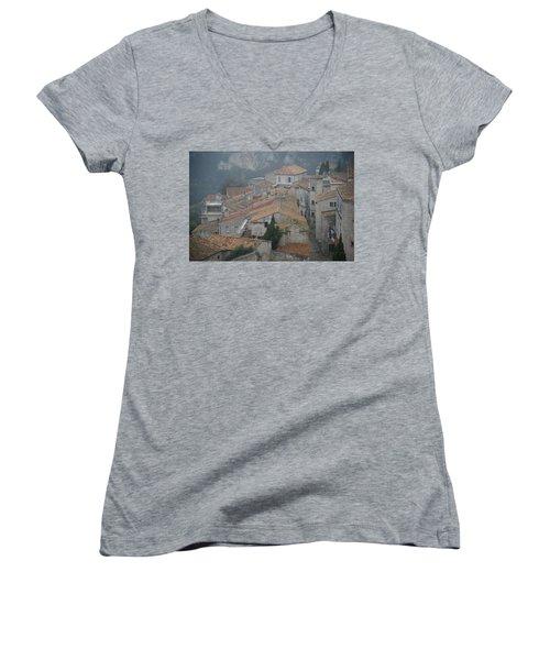 Les Baux Women's V-Neck T-Shirt