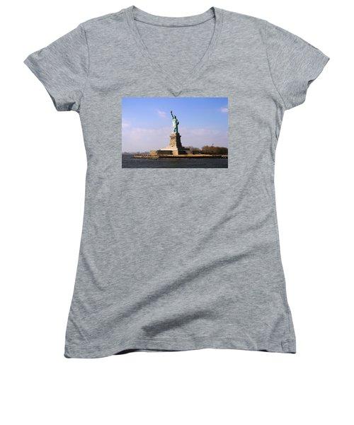 Liberty Island Women's V-Neck