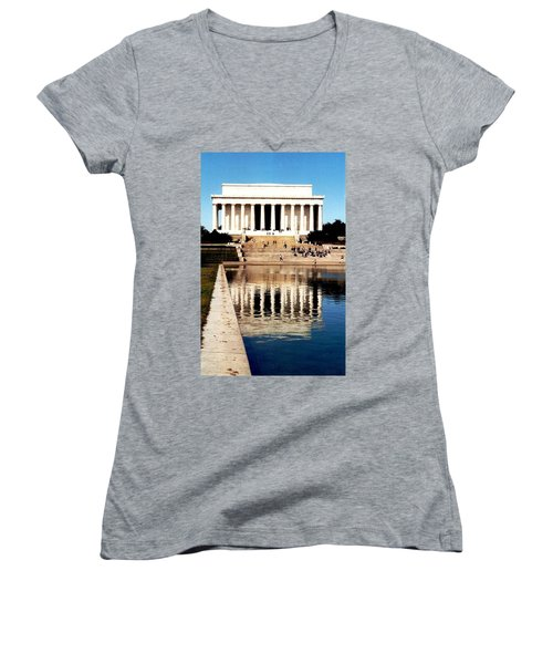 Lincoln Memorial Women's V-Neck T-Shirt (Junior Cut) by Daniel Thompson