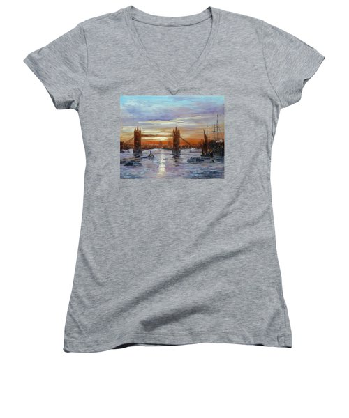 London Tower Bridge Women's V-Neck T-Shirt (Junior Cut) by Irek Szelag