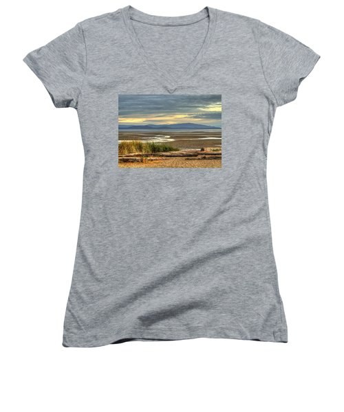 Low Tide Women's V-Neck (Athletic Fit)