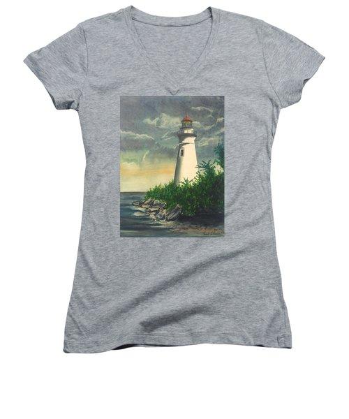 Marblehead Light On Lake Erie Women's V-Neck T-Shirt (Junior Cut) by Frank Hunter
