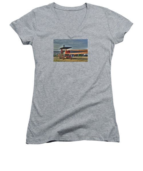 Minneapolis Return Flue Threshing Women's V-Neck T-Shirt