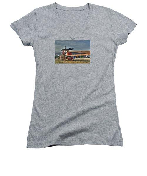 Minneapolis Return Flue Threshing Women's V-Neck T-Shirt