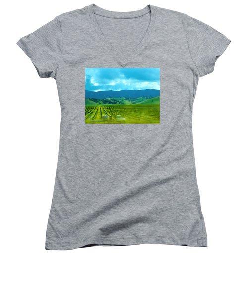 Mobile Transport Women's V-Neck T-Shirt