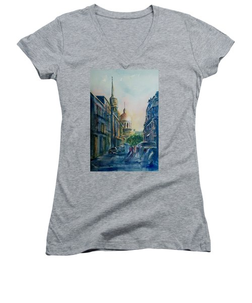 Montreal Skyline Women's V-Neck (Athletic Fit)