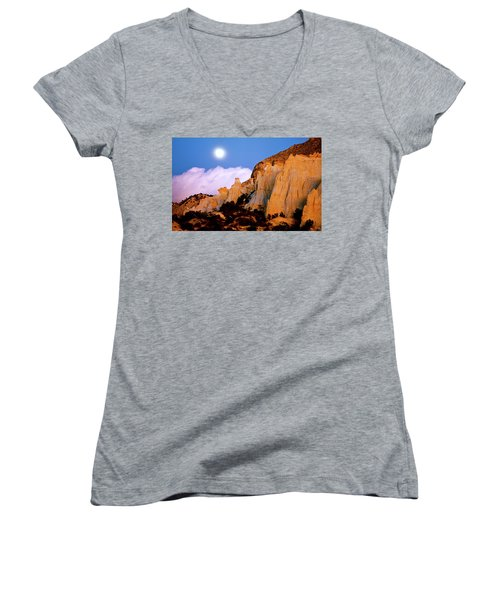 Moonrise Over The Kaiparowits Plateau Utah Women's V-Neck T-Shirt (Junior Cut) by Ed  Riche