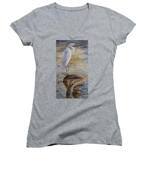 Morning Perch-egret Women's V-Neck T-Shirt