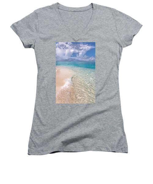 Natural Wonder. Maldives Women's V-Neck T-Shirt