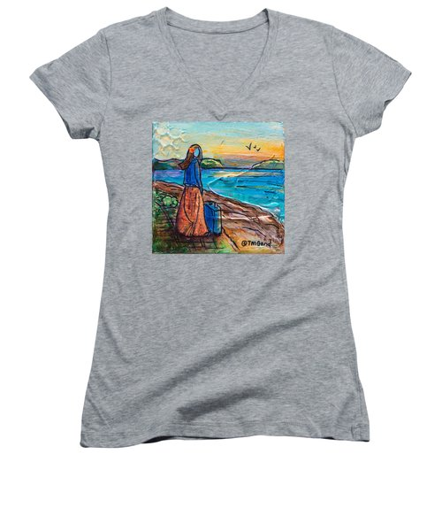 New Horizons Women's V-Neck