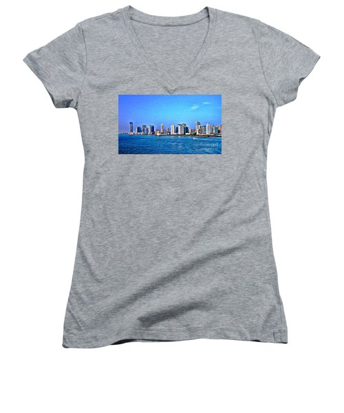 Women's V-Neck T-Shirt (Junior Cut) featuring the photograph Nyc  The Big Apple  by Judy Palkimas